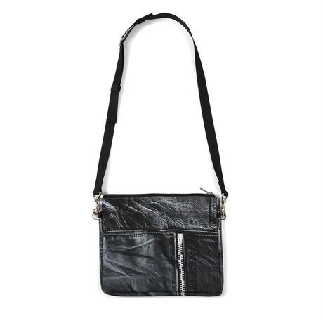 ARUMO  トロンプルイユサコッシュ/ ブラックレザージャケット