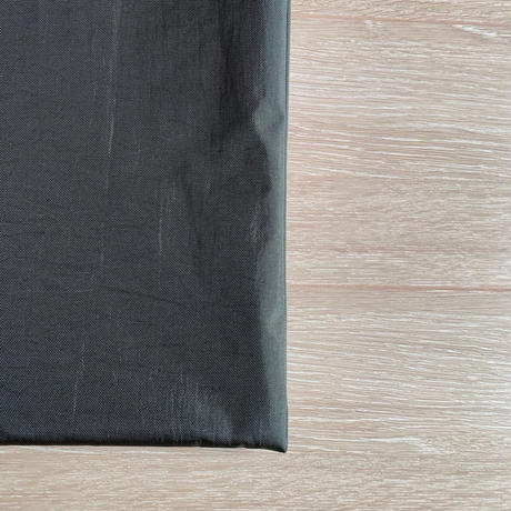 ARUMO  フラットショルダーバッグ (M) /  カーキグリーン