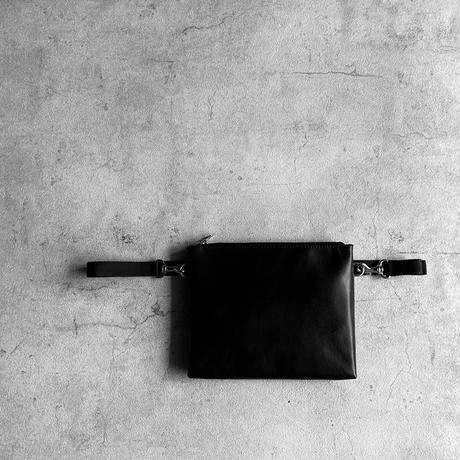 ARUMO  レザージップサコッシュ / ブラック