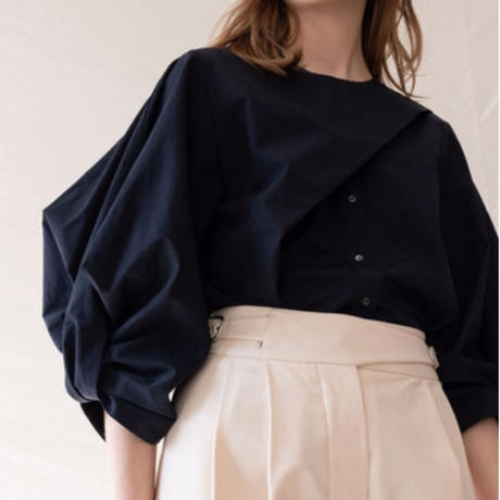 【MADE in KOREA】Design Sleeve Blouse