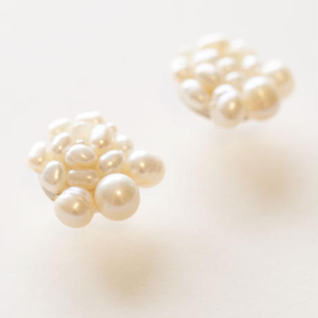 pearls  earring/pierce