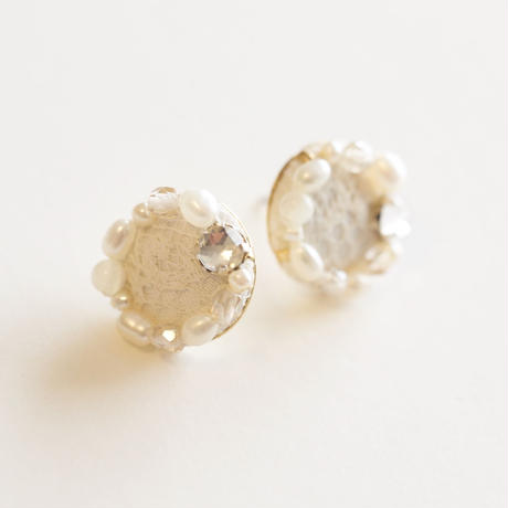 circle bijoux earring/pierce