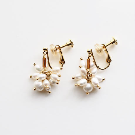 pearls brown short earring/pierce