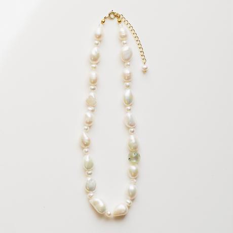 baroque pearls necklace col.green