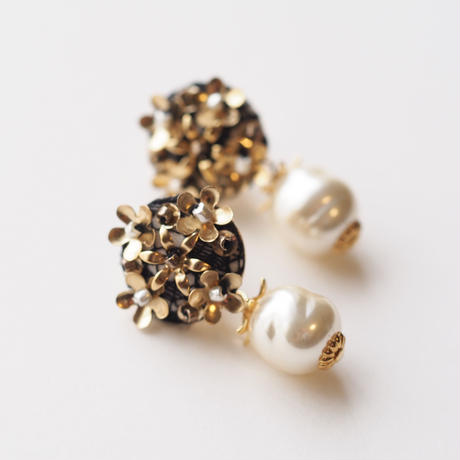 bouquet pearls earring/pierce