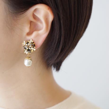 bouquet pearls earring/pierce