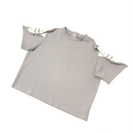 オープンショルダーベルト付Tシャツ