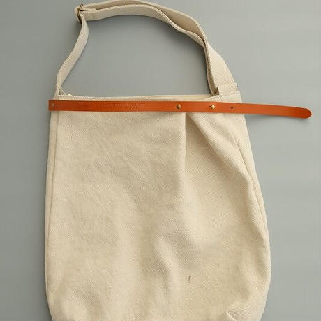 suolo(スオーロ)   FEATHER  WHITE JUTE
