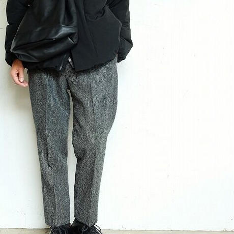 suolo(スオーロ)   CROP2 leather  BLACK