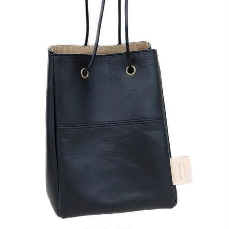 suolo(スオーロ)   POLE leather  BLACK