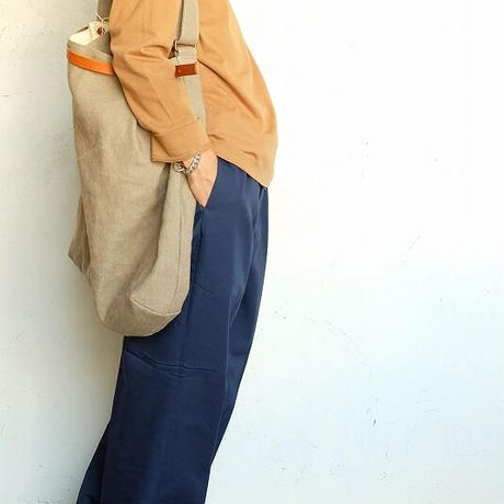 suolo(スオーロ)   FEATHER  BEIGE