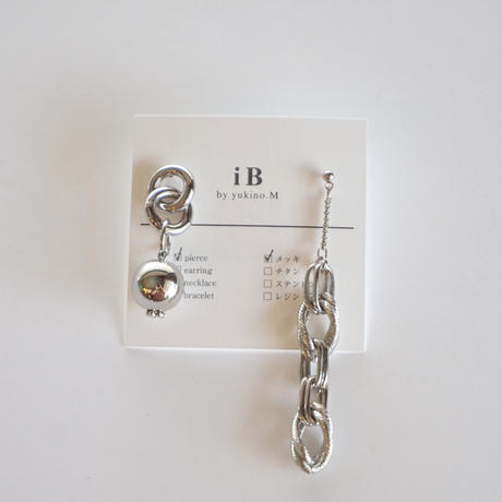 iB // chain ピアス