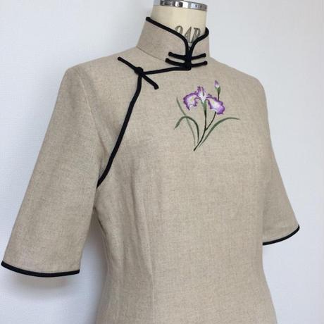 花菖蒲手刺繍のチャイナ・ドレス
