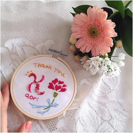 母の日限定  カーネーションイニシャル刺繍