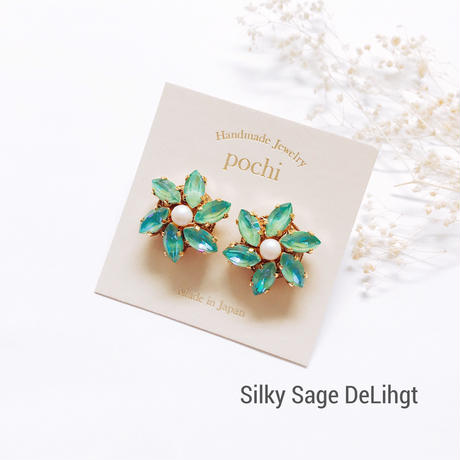 ★2020 A/W NEW COLOR★Crystal Flower Pierce