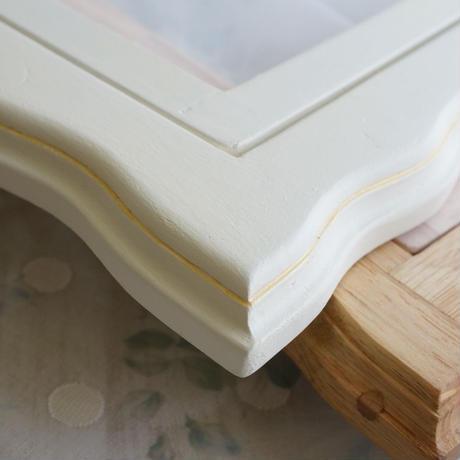 デザイン刺繍枠A4サイズ White×gold