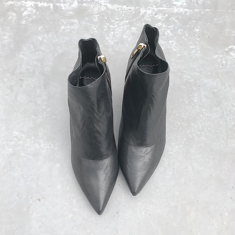 19AW  587117-1  BLACK