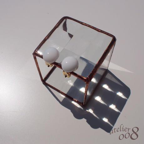 粒ガラスのイヤリング(ピアス) ミルクホワイト