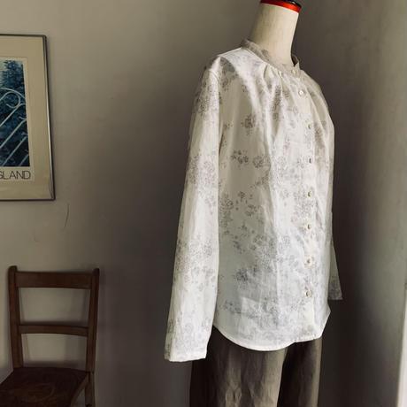 麦のシャツ リネン ローズプリント ホワイトベージュ