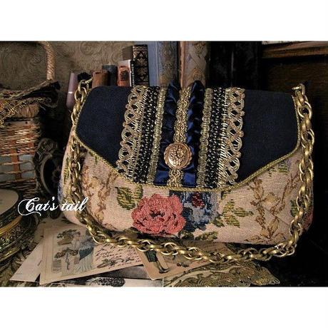 ゴブラン織りのクラシカルバッグ