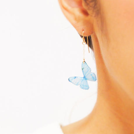 Sky Blue Butterfly Earrings / Asymmetric [Pierced or Clip-on]