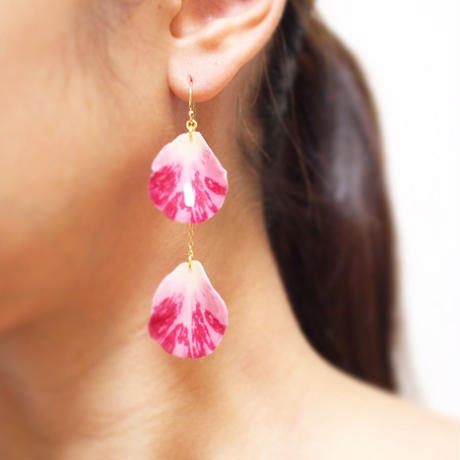 Pink flash Rose Petal Earrings / Asymmetric [Pierced or Clip-on]