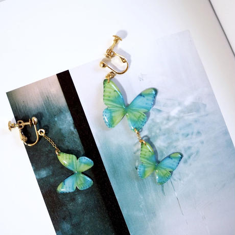 Blue-Green Butterfly Earrings / Asymmetric [Pierced or Clip-on]