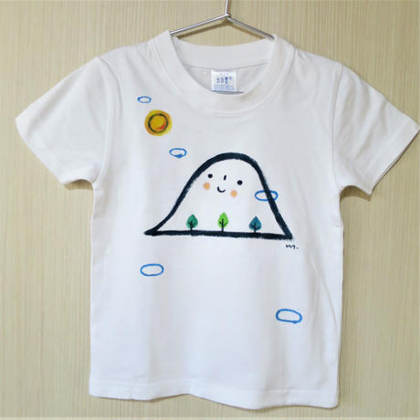 手描きTシャツ(こども)名入れ可  〈お山〉