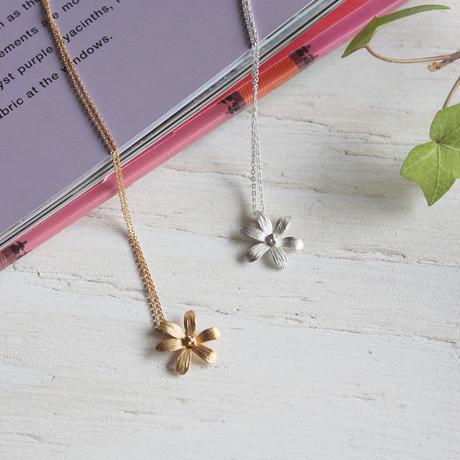 6枚の花びらのネックレス