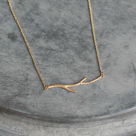 小枝のネックレス