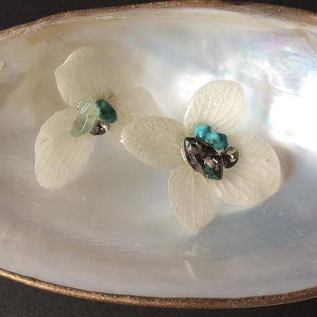 紫陽花のピアス =white=