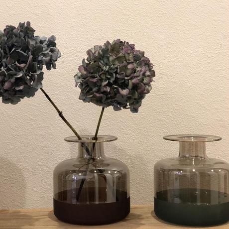 flower base = mirror =