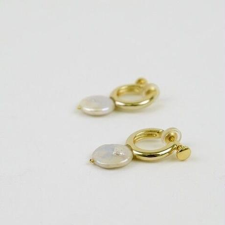 Brassと淡水パールのイヤリング