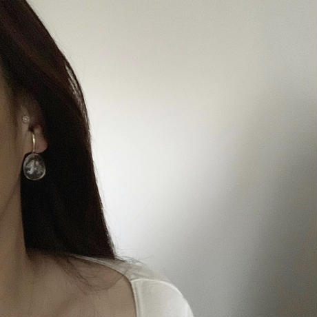 PORTE BONHEUR  -  quartz ear cuff-