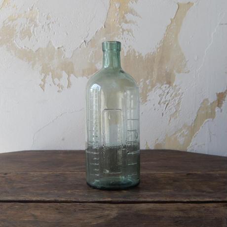 antiques  ラムネ色の薬瓶