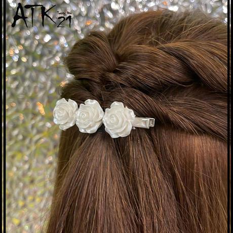 真っ白 フラワー プリムラ ローズ White ホワイト 大人可愛い ヘアクリップ 上品 まとめ髪のポイント 髪留め レディース ヘアアクセサリー