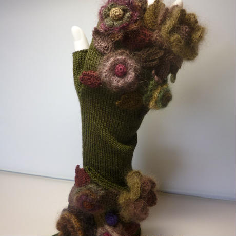 お花の手袋(カーキ×茶)
