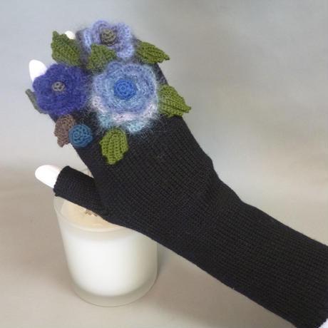 お花の手袋(黒×ブルー)
