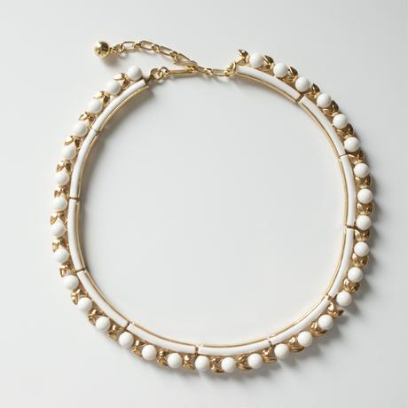 TRIFARIクラウントリファリ ホワイト ミルクガラス リーフ ネックレス / ヴィンテージ・コスチュームジュエリー