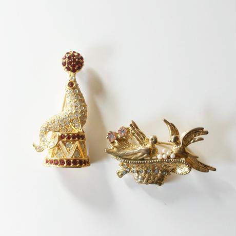 マルチカラー ラインストーン 帽子 パール 鳥 バード パール ブローチ / ヴィンテージ・コスチュームジュエリー