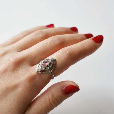 AVONエイボン オーバル ピンク ラインストーン 指輪 / ヴィンテージ・コスチュームジュエリー