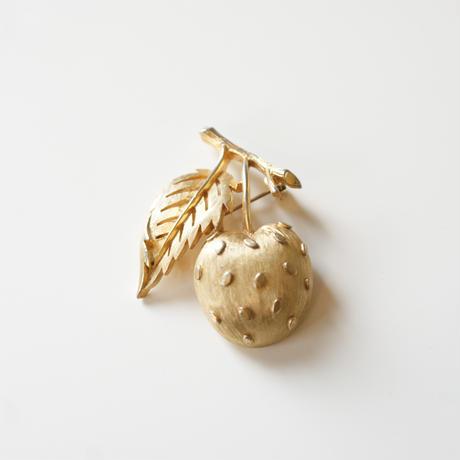 TRIFARIクラウントリファリりんご ブローチ / ヴィンテージアクセサリー・コスチュームジュエリー