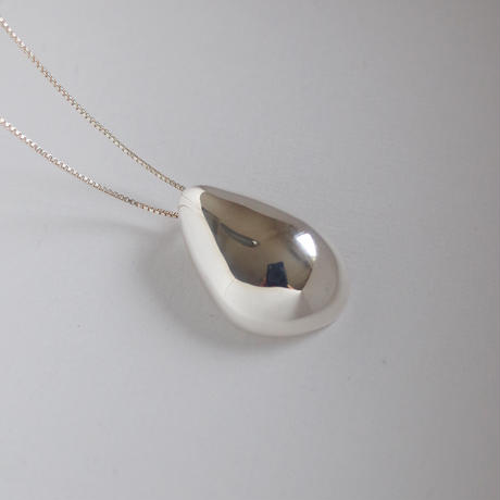 She necklace (silver)