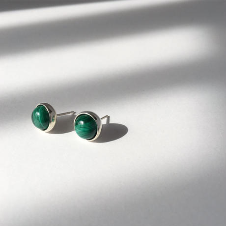 Orb earring in malachite