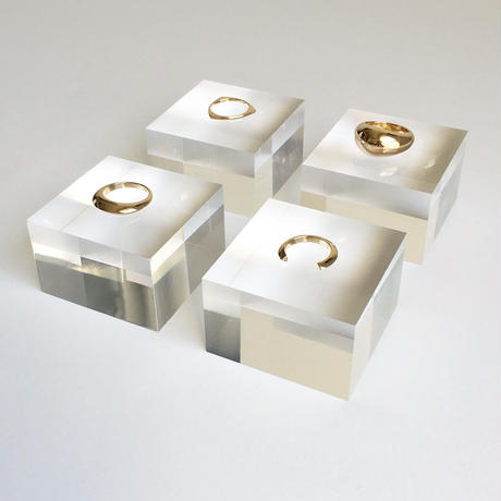 Theo open ring in gold