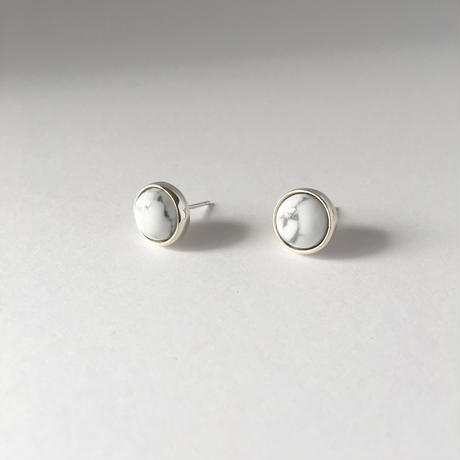 Orb earring in howlite