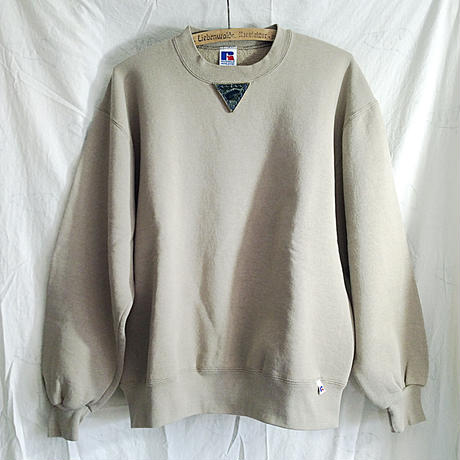 【on RUSSELL】【on champion】OMA gazette sweatshirt  |triangle pottery beige / dark gray / navy