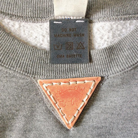【on RUSSELL】OMA gazette sweatshirt  |triangle pottery  light gray