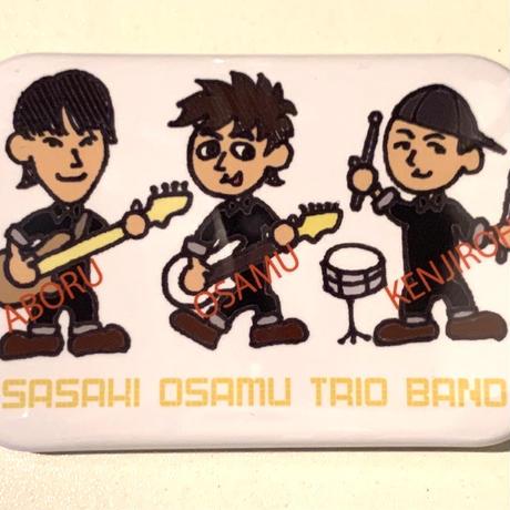 SASAKI OSAMU TRIO BAND 白(イラスト)(缶バッジ角丸)