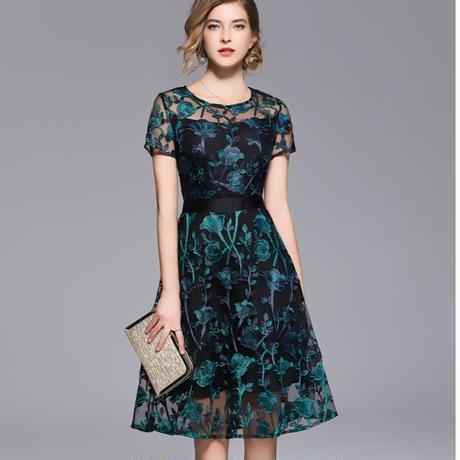花柄刺繍ワンピース シースルー 結婚式 パーティー ドレス  膝丈 大きいサイズ  ブラック 黒  青 ブルー 半袖